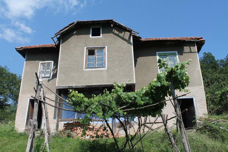immobilien haus in rashkovo sofia province bulgarien qm garten 3 zimmer tolles. Black Bedroom Furniture Sets. Home Design Ideas