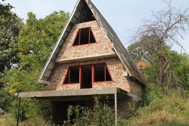immobilien haus in yablanitsa lovech bulgarien kleines neues haus 1000 qm garten 2. Black Bedroom Furniture Sets. Home Design Ideas