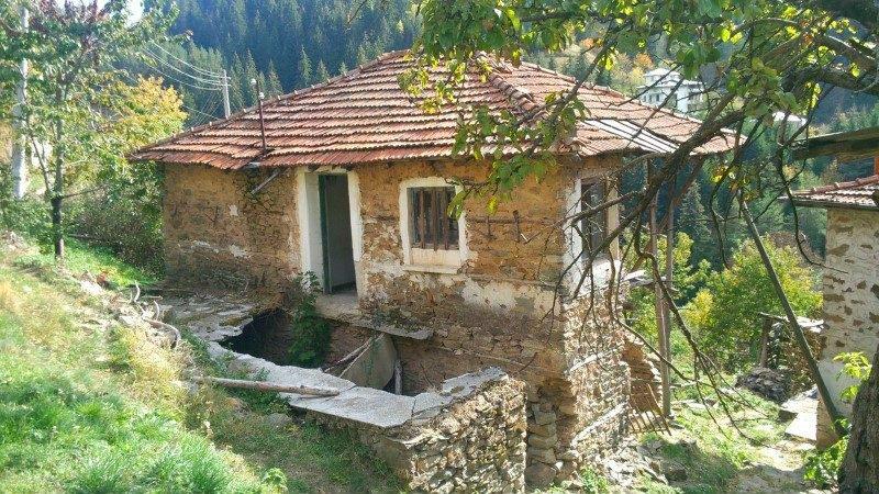 Immobilien Haus In Vievo Smolyan Bulgarien 100 Qm Steinhaus