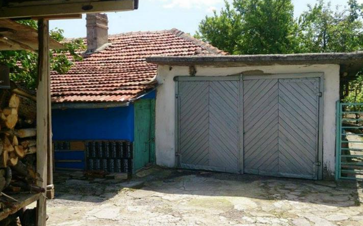 immobilien haus in provadiya varna bulgarien 190 qm bungalow 750 qm garten 50 km von varna. Black Bedroom Furniture Sets. Home Design Ideas