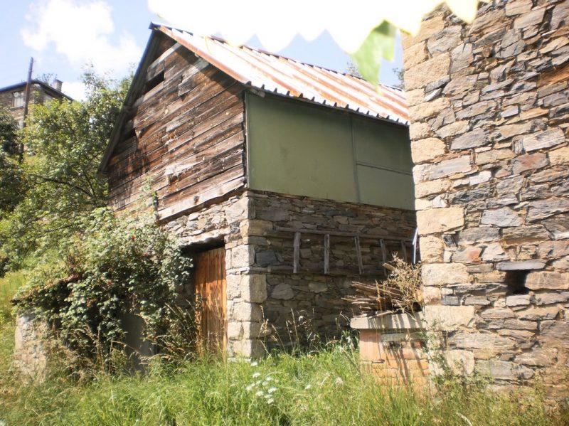immobilien haus in mile smolyan bulgarien 120 qm landhaus aus stein in rhodopen. Black Bedroom Furniture Sets. Home Design Ideas