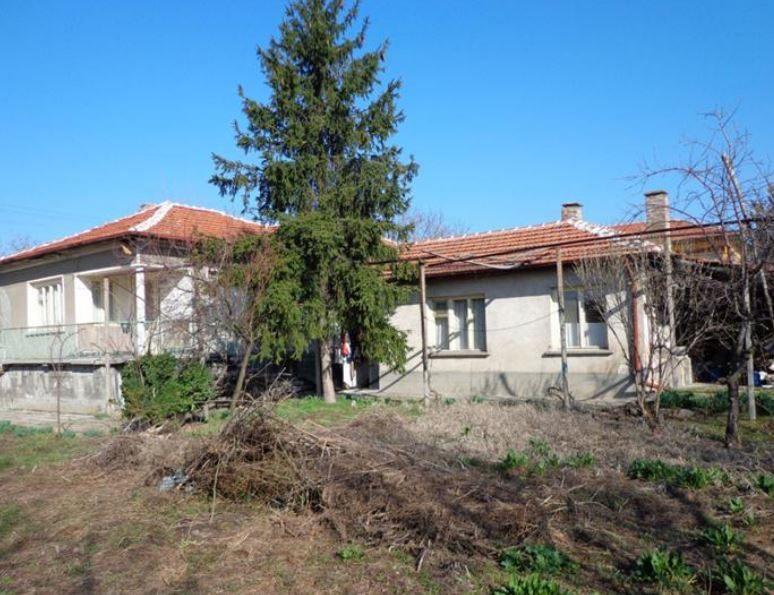 immobilien haus in gradina plovdiv bulgarien 100 qm haus 4 schlafzimmer 700 qm garten 45. Black Bedroom Furniture Sets. Home Design Ideas