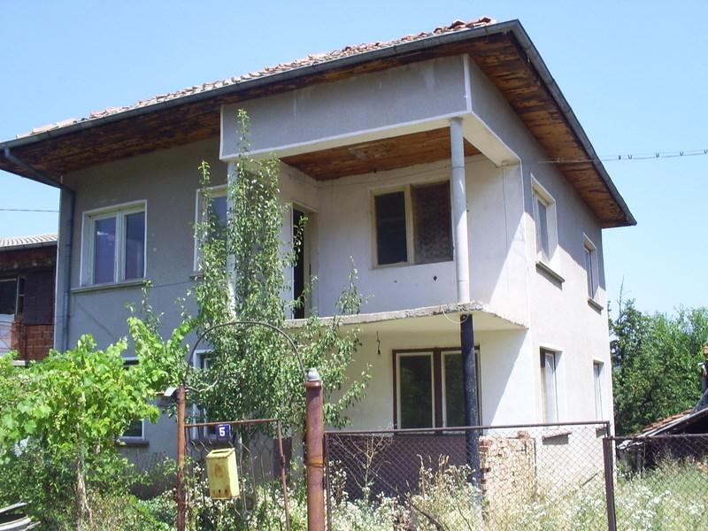immobilien haus in pravets sofia province bulgarien 200 qm haus in pravets zu einem golf. Black Bedroom Furniture Sets. Home Design Ideas