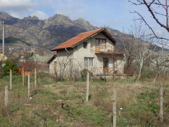 immobilien haus in sliven sliven bulgarien 60 qm villa 4 schlafzimmer 1500 qm garten in. Black Bedroom Furniture Sets. Home Design Ideas