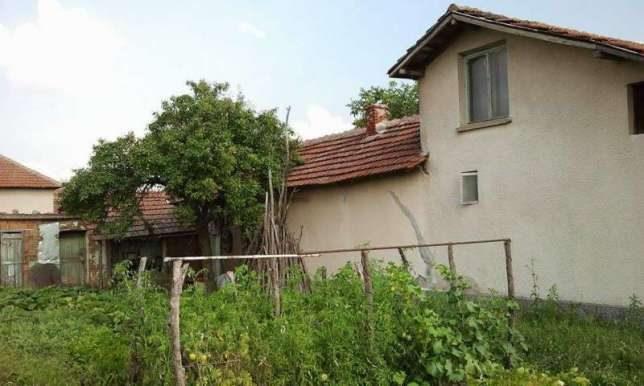 immobilien haus in dolno tserovene montana bulgarien 70 qm haus 4 zimmer 3000 m garten. Black Bedroom Furniture Sets. Home Design Ideas
