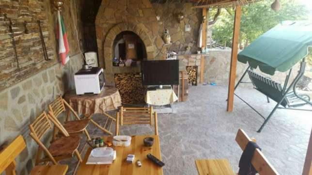 immobilien haus in brestnik plovdiv bulgarien 80 qm villa 1 schlafzimmer 600 qm garten. Black Bedroom Furniture Sets. Home Design Ideas