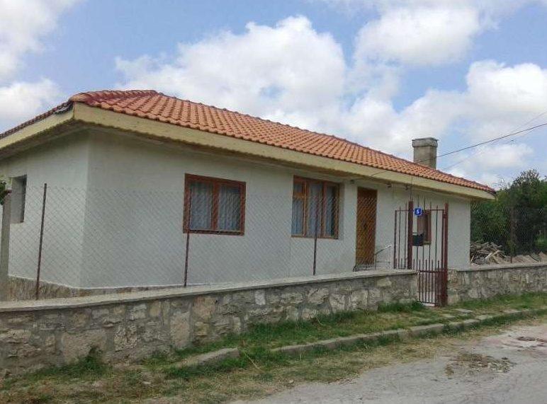 immobilien haus in obrochishte dobrich bulgarien 100 qm haus 1000 qm garten 3 5 km zum. Black Bedroom Furniture Sets. Home Design Ideas