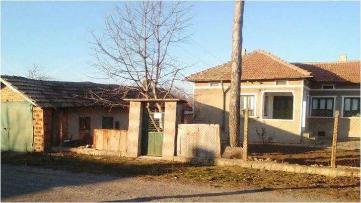 immobilien haus in dabovik dobrich bulgarien 100 qm haus 4 zimmer 2500 qm garten 40 km. Black Bedroom Furniture Sets. Home Design Ideas