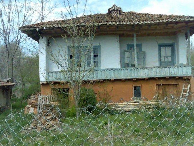 immobilien haus in glavan silistra bulgarien 3 schlafzimmer altes haus 1735 qm land 20 km. Black Bedroom Furniture Sets. Home Design Ideas