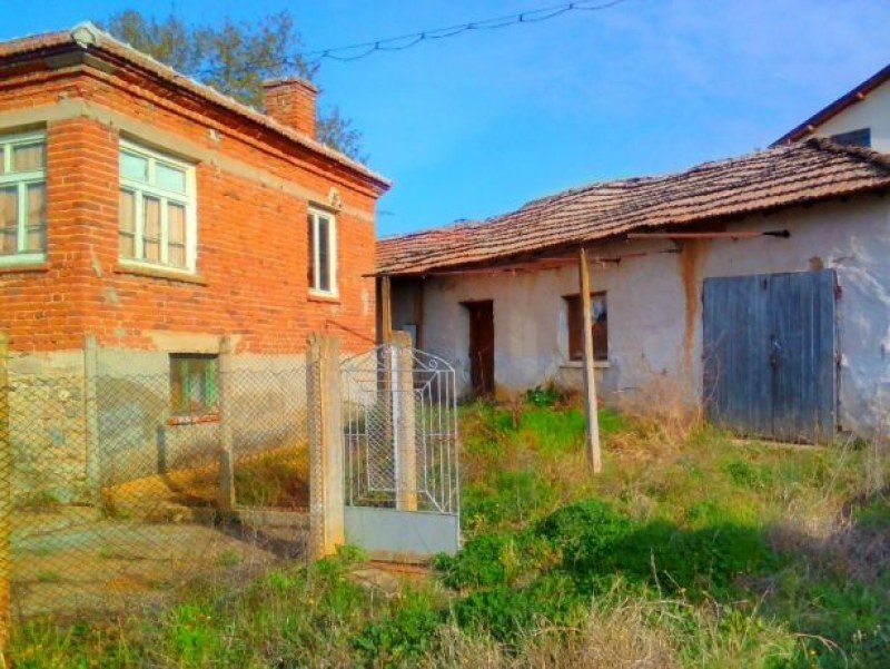 immobilien haus in studena haskovo bulgarien 150 qm haus 1100 qm land nahe der. Black Bedroom Furniture Sets. Home Design Ideas