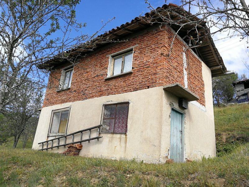 immobilien haus in tsaparevo blagoevgrad bulgarien 100 qm haus 1500 qm land. Black Bedroom Furniture Sets. Home Design Ideas