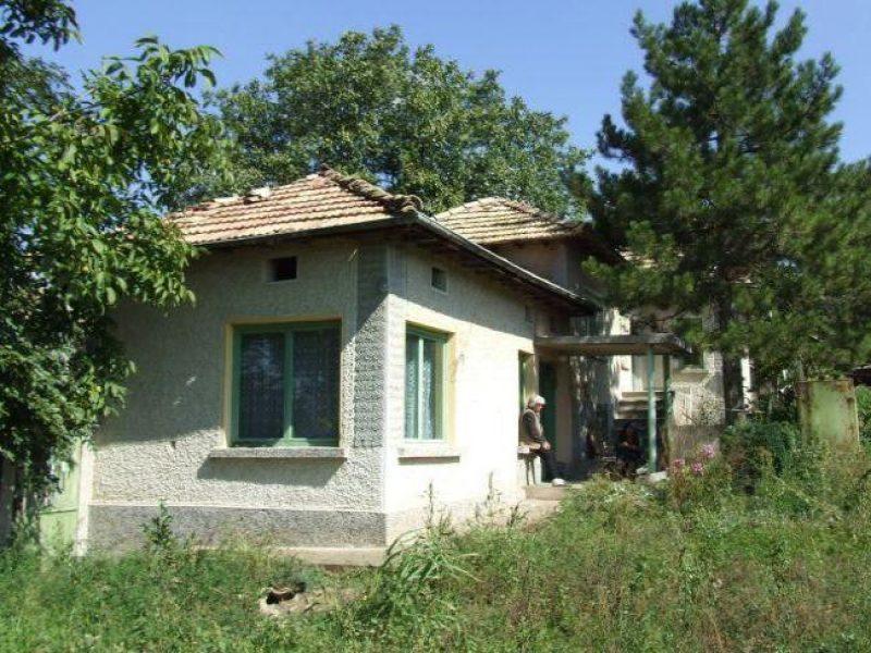 immobilien haus in sadina targovishte bulgarien solide 100 qm haus das grundst ck ist. Black Bedroom Furniture Sets. Home Design Ideas
