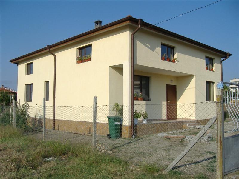 immobilien haus in elhovo yambol bulgarien 2 etagen 6 schlafzimmer in der n he von. Black Bedroom Furniture Sets. Home Design Ideas