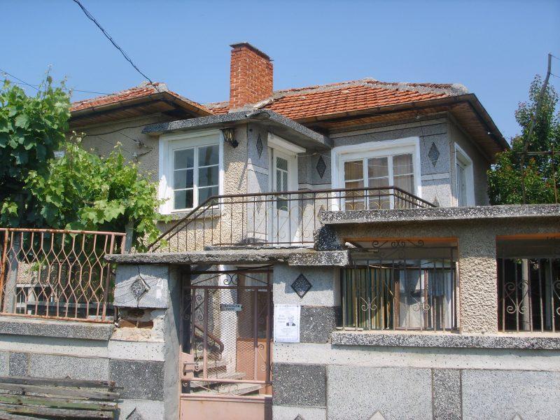 immobilien haus in naydenovo stara zagora bulgarien das zweist ckige haus 100 qm 4 zimmer. Black Bedroom Furniture Sets. Home Design Ideas