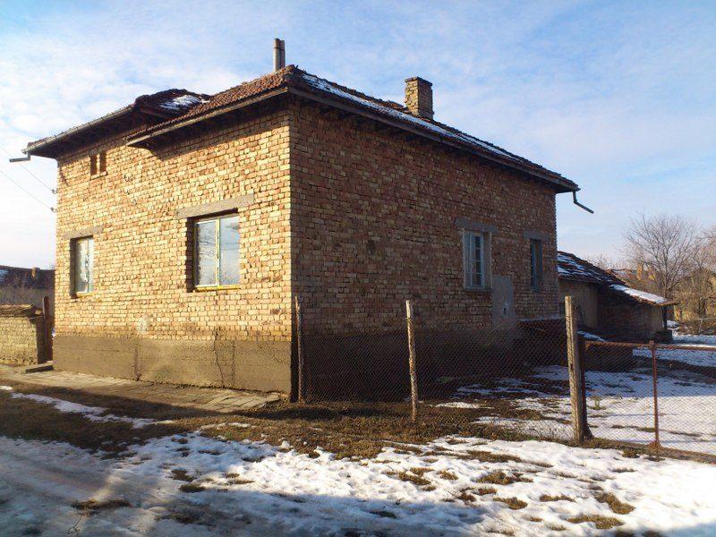 immobilien haus in novachene pleven bulgarien gem tliches landhaus 1735 qm garten 3. Black Bedroom Furniture Sets. Home Design Ideas