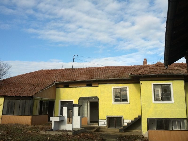 immobilien haus in bosilkovtsi ruse bulgarien gem tliches haus 1800 qm garten 3. Black Bedroom Furniture Sets. Home Design Ideas