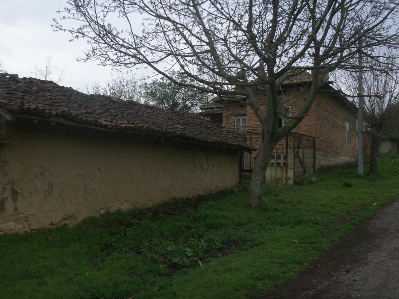Immobilien haus in geshanovo dobrich bulgarien 4 for Traditionelles deutsches haus