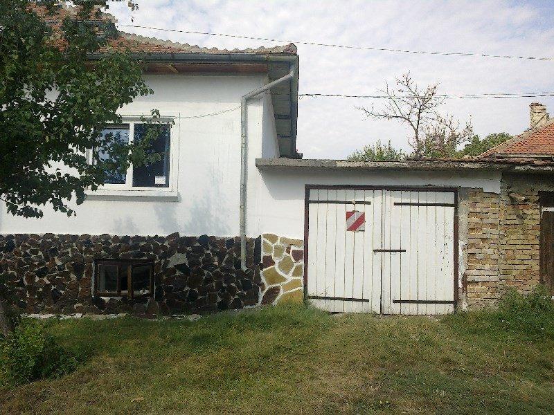 immobilien haus in suvorovo varna bulgarien haus 100 qm 7 zimmer garage grundst ck 500. Black Bedroom Furniture Sets. Home Design Ideas